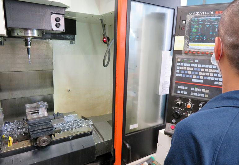 短納期を実現する金属加工一括対応